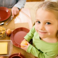 8 Ways to Teach Your Child Table Manners